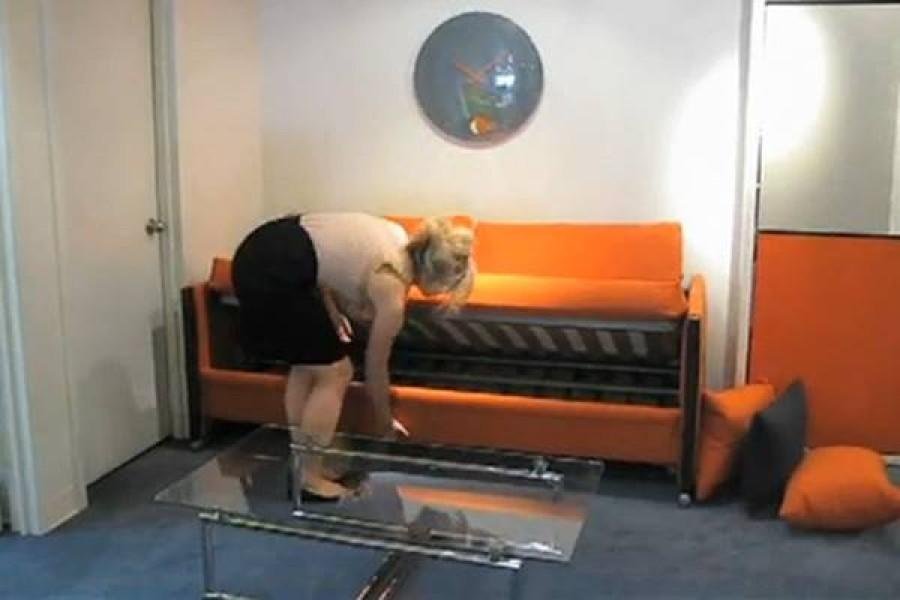Első látásra egy átlagos kanapé, ám annál sokkal több!