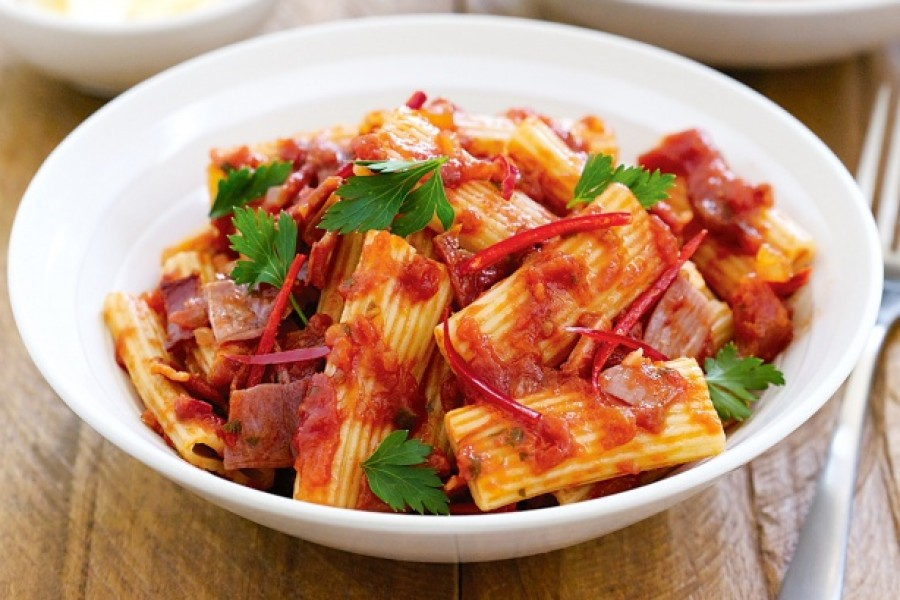Ezzel a baconös sonkás tésztával te is garantáltan sikert aratsz!