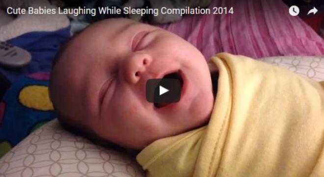 Cuki babák alvás közben nevetnek!