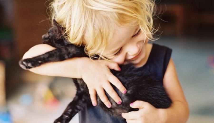 20 fotó, ami megmutatja, hogy miért lenne szüksége minden kisgyermeknek egy háziállatra!