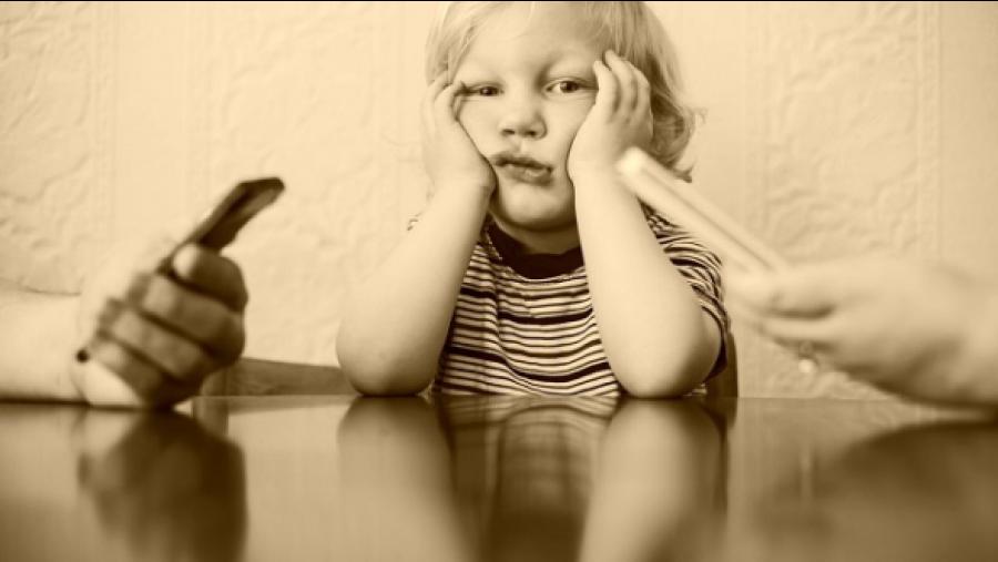 """""""Okostelefon szeretnék lenni!"""" – egy kisfiú meghatóan őszinte levele a mai felnőttekhez!"""