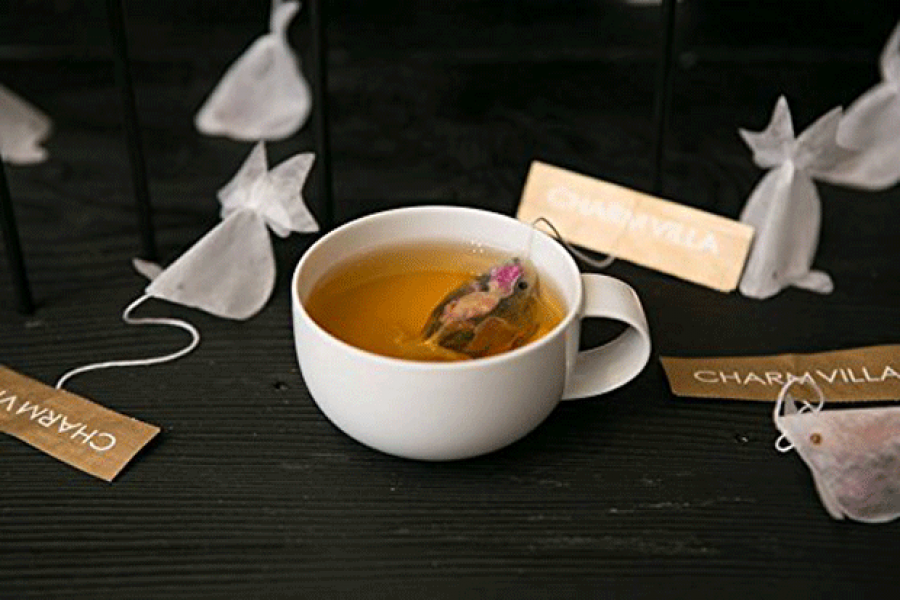 Ezek a teafilterek aranyhallá változnak a bögrében -nagyon érdekes!